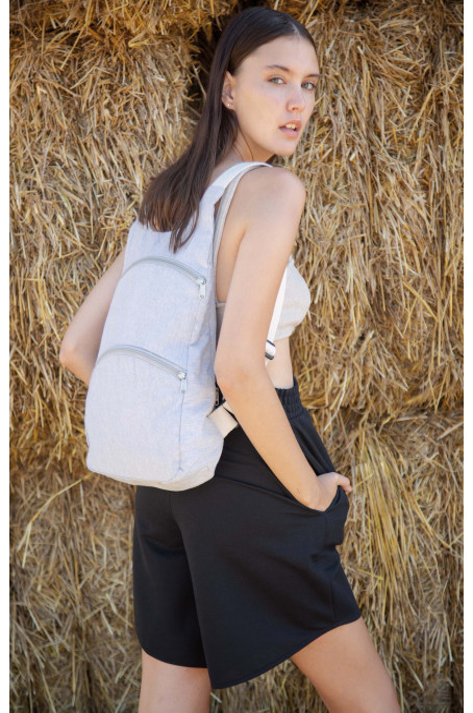 Recyklovaný batoh se zadní kapsou proti krádeži - zvìtšit obrázek